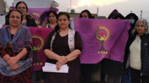 """Women from Eastern Kurdistan support the """"100 reasons"""" campaign"""