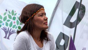 """Kurdish women's movement in Europe: """"100 reasons"""""""